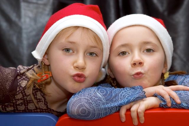 IMAGE: http://www.jot-gallery.com/4images/data/media/1/Kissing_Santa_Kids.jpg